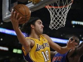Баскетболіст Лейкерс підтвердив, що зустрічається з Шараповою