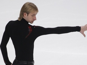 Cup of Russia: Плющенко уверенно выиграл короткую программу