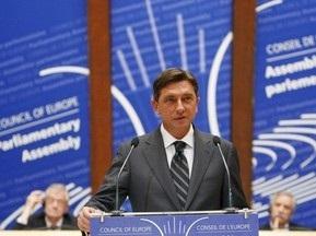 Премьер-министр Словении почистит обувь своим футболистам