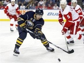 NHL: Клинки подрезают Красные Крылья