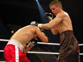 Нужненко победил Кимсанбаева техническим нокаутом