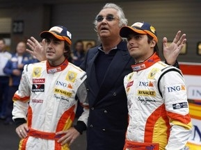 Стюарды Гран-при Сингапура-08 уверены в непричастности Алонсо