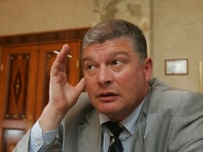Евро-2012: Червоненко советует отдать руководство Ахметову, Коломойскому и Ярославскому