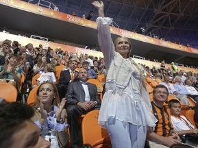 Евро-2012: Тимошенко пообещала до конца дня выделить деньги Львову