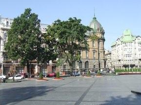Євро-2012: Стадіон у Львові будуватимуть цілодобово