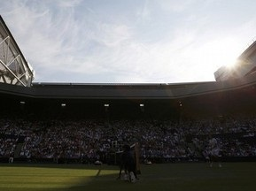 Дах на Wimbledon став у нагоді