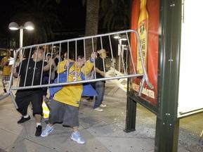 Победа Лейкерс спровоцировала массовые беспорядки в Лос-Анджелесе