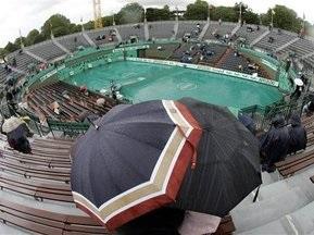 Roland Garros: Матчи вторника начались с минуты молчания