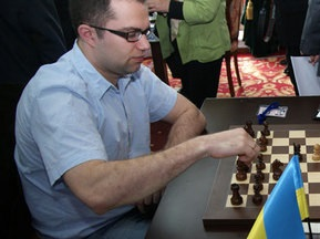 Шахматы: Эльянов удерживает лидерство в Сараево, Иванчук остается последним в Софии