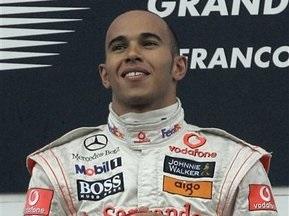 Хэмилтон радуется достижениям McLaren