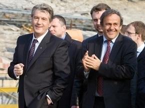 Платини: Экономический кризис усложнил задание хозяев Евро-2012