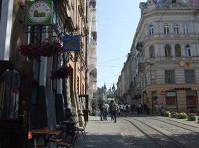 Львів намагалися дискредитувати перед візитом Платіні в Україну