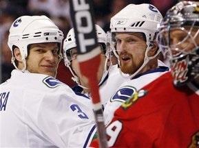 NHL: Брати Седіни розбушувалися в Чикаго