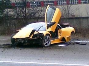 МВС: Lamborghini, що розбився під Ужгородом, дійсно належить Касі Каладзе