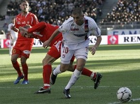 Лига 1: Лион опять проигрывает, Марсель обостряет интригу