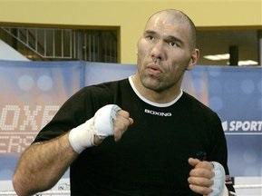 Валуев научил юных боксеров правильно бить