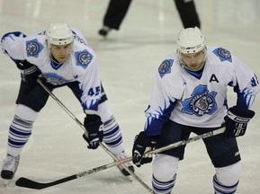 Хокей: Сокіл переміг Капітан