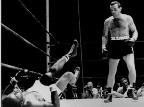 Умер знаменитый боксер-тяжеловес