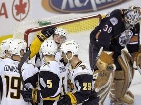NHL: Клинки поиздевались над Нефтяниками