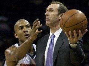 Тренер клуба NBA остался без работы