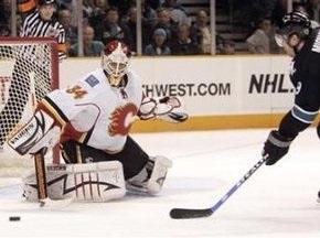 NHL: Огнипрервали 11-месячную беспроигрышную серию Акул