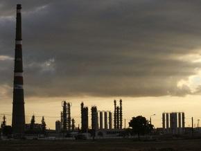 Украинские НПЗ сокращают переработку нефти