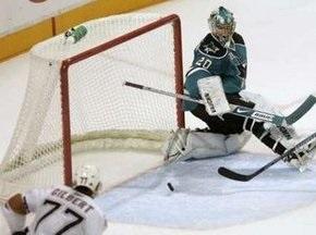 NHL: Акули зупинені