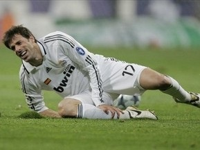 Реал теряет Нистелроя до конца сезона