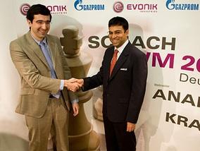 Крамник и Ананд вновь сыграли вничью