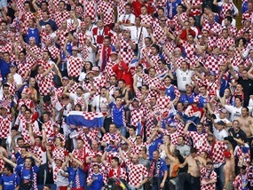 Федерация футбола Хорватии оштрафована за расизм фанатов