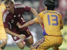 Латвийские футболисты протестуют