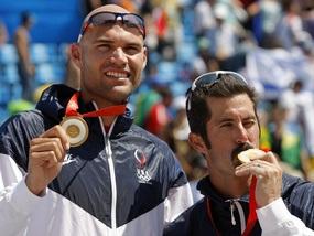 Пляжный волейбол: Американцы завоевали 30-е золото