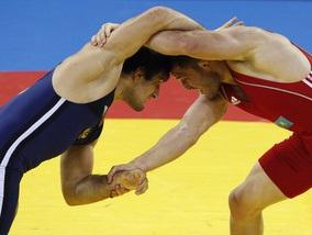 Вольная борьба: Узбекистан берет первое золото