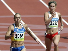 Украинская бегунья - первая на 200-метровке
