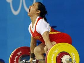 Тяжелая атлетика: Золото и Олимпийский рекорд у Китая