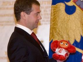 Фотогалерея: Чебурашка для Медведева