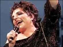 Лайза Мінеллі впала зі сцени під час концерту