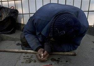 В Киеве бездомный застрял в вентиляционном люке