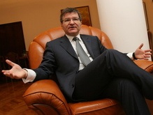 Немыря напомнил, что Янукович лечил колено не без помощи НАТО