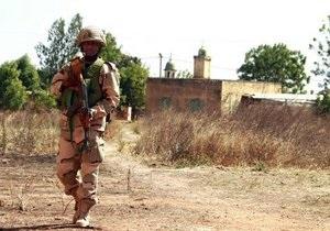 Французские войска взяли под контроль два города в Мали. Чрезвычайное положение в стране продлили на три месяца
