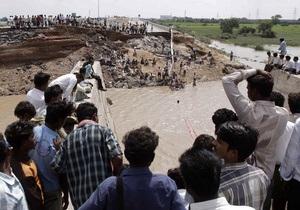 В Мумбаи обрушилось здание, под завалами могут находиться люди