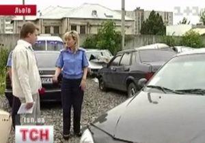 Во Львове пьяная женщина-водитель сбила коляску с младенцем