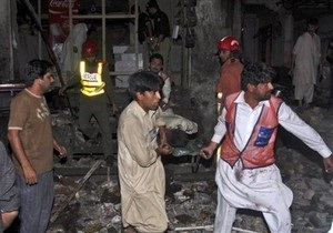 В результате двойного теракта в Пакистане погибли 35 человек