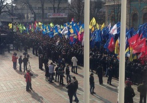 Сторонники оппозиции готовы оставаться у Рады, пока не решится вопрос с выборами в Киеве