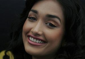 25-летнюю звезду Болливуда Джиах Хан нашли мертвой