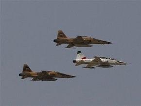 В результате крушения военного самолета в Иране погибли семь человек