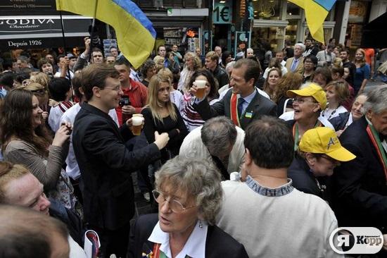 смене фото в брюсселе украинских героев своего дела используют