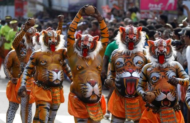 india is a land of festival essay India essay 4 (250 words) my country india is a land of shiva, parvati, krishna, hanuman, buddha, mahatma gandhi, swami vivekananda, kabir, etc.