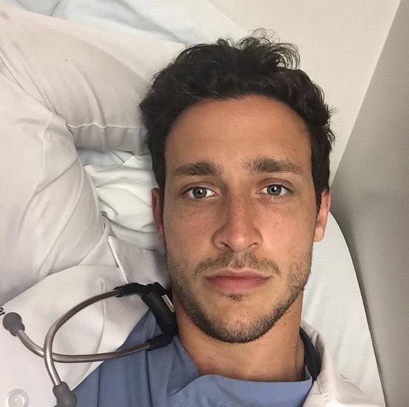 Сексуальный доктор мужчиеа