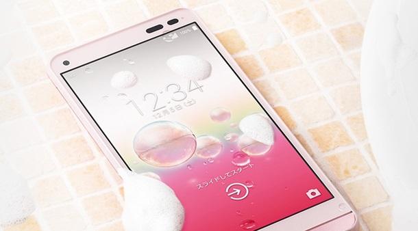 Kyocera выпустила первый моющийся смартфон